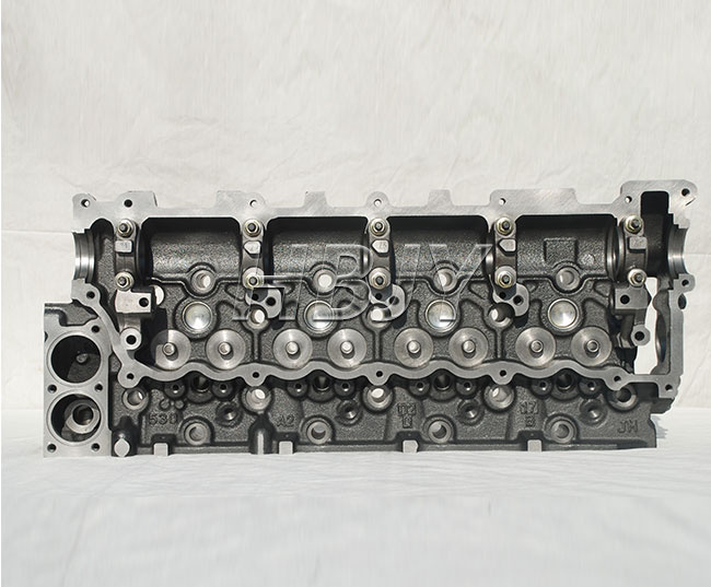 Isuzu 4JG2 Cylinder Head