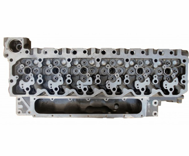 cummins isbe 6.7l  QSB6.7 ISDE6.7 cylinder head 3977221