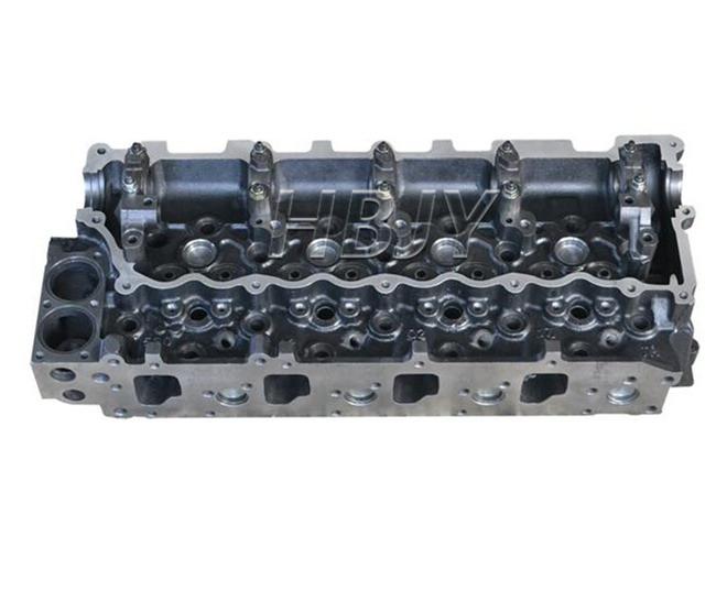 Isuzu NPR NQR GMC 4HE1  NPR70 Cylinder Head