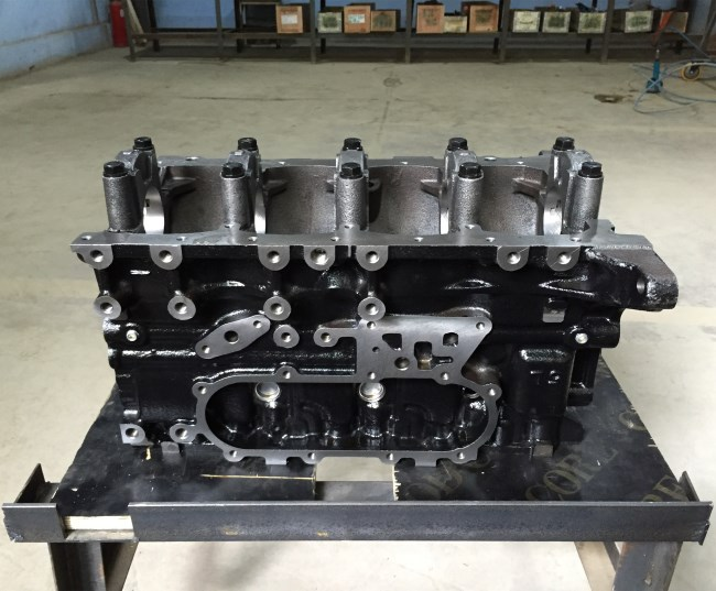 TOYOTA 5L engine block